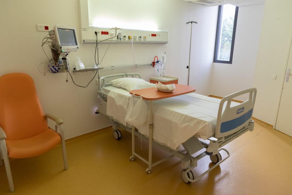 Chambre Urgences et soins intensifs de cardiologie
